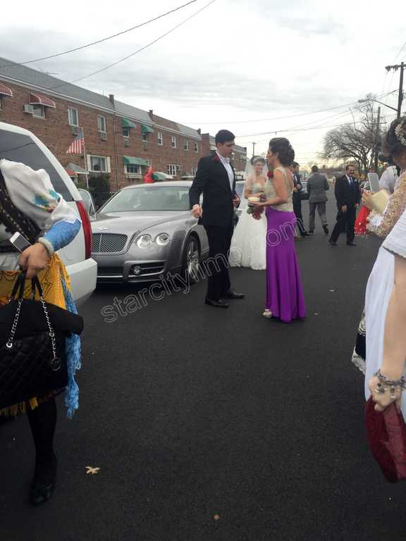 Bentley Flyiing Spur and Cadillac Escalade Limousine - Bride and Groom