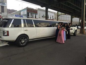 Range-Rover-Limousine_for-Prom-NYC
