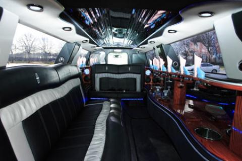 Lincoln Limousine for Prom
