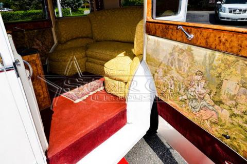 Antique Rolls Royce Limousine for Anniversary