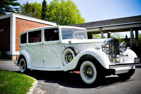 Antique Rolls Royce Limousine for Wedding