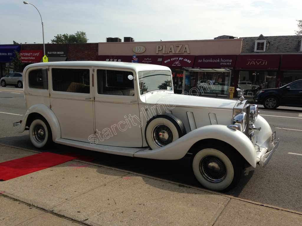 Antique Rolls Royce Phantom Wedding in NYC